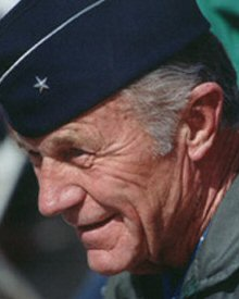 General Yeager. Uploaded by pilotportalusa.atspace.com.