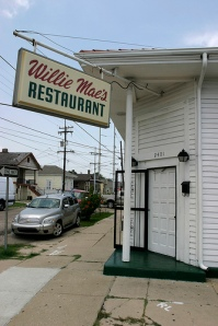 Willie Mae's was destroyed by Hurricane Katrina, but has been rebuilt. Photo uploaded to Flickr by kaszeta.
