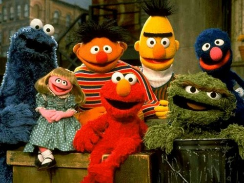 Some of the familiar Sesame Street gang. Uploaded by myfreewallpapers.net.