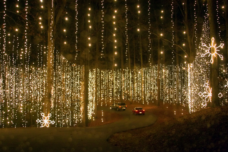 Holiday christmas light displays great american things - Callaway gardens festival of lights ...