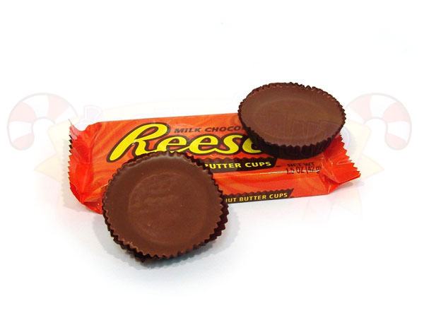 reeses-cups-by-sugarstanddotcom.jpg